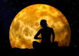 Mond und Meditation